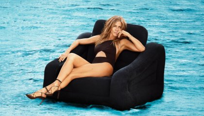 Jennifer Aniston in topless a 50 anni