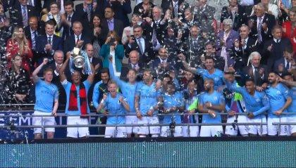 Il City seppellisce il Watford con 6 reti e alza il trofeo