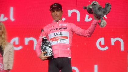 Roglic vince a San Marino, Conti resta in rosa