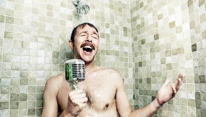 Cantare sotto la doccia, perché lo facciamo?