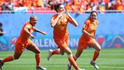 Femminile: passano il turno Olanda e Canada