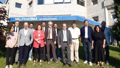 Eccellenza e posti di lavoro, il presidente Bonaccini visita Valpharma