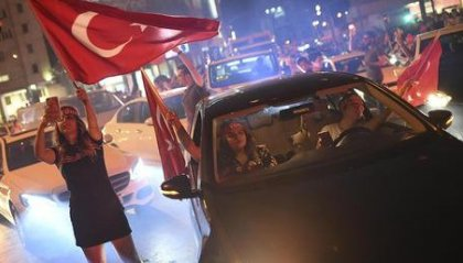 Turchia: notte di festeggiamenti a Istanbul per Imamoglu