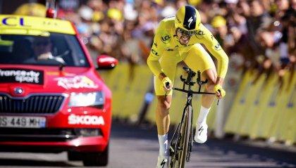 Alaphilippe in giallo aspettando il Tourmalet