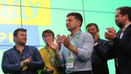 Ucraina: Zelensky verso la maggioranza assoluta