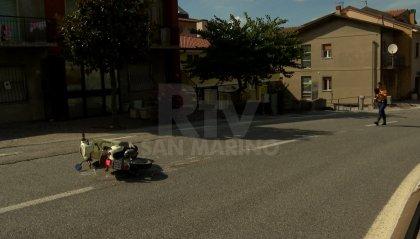 Incidente a Borgo Maggiore: 32enne finisce contro un'auto, 30 giorni di prognosi