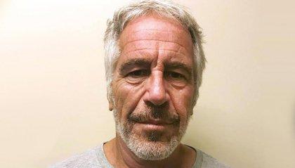 Jeffrey Epstein: autopsia confermerebbe il suicidio in cella del miliardario accusato di abusi su minori