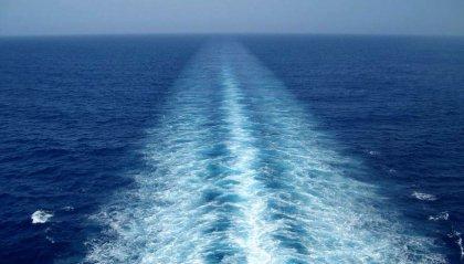 """Migranti, Alarm Phone: """"Barca capovolta, forse più di 100 vittime"""""""