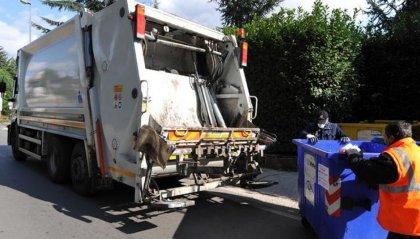 Ruba camion compattatore per far serata a Montecarlo