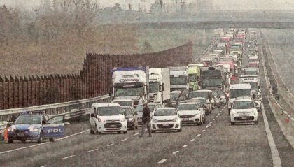 Incidente mortale in A14, 37enne pesarese si scontra con un furgone con targa sammarinese