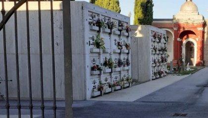 I ladri non rispettano neppure i morti, Comune accende due occhi elettronici al cimitero