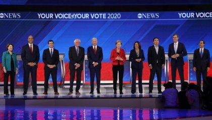 Candidati Dem: Warren e Sanders contro Biden sull'Obamacare