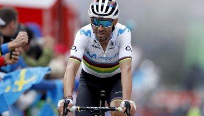 Vuelta: Roglic sempre leader col brivido