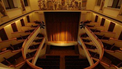 Incontro pubblico a più voci sul teatro