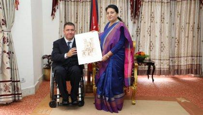 """""""Namasté – Adotta una carrozzina!"""": la Presidente del Nepal vuole sostenere il progetto"""