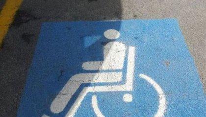 Parcheggi sui posti riservati ai disabili: aumentano controlli e multe a Rimini