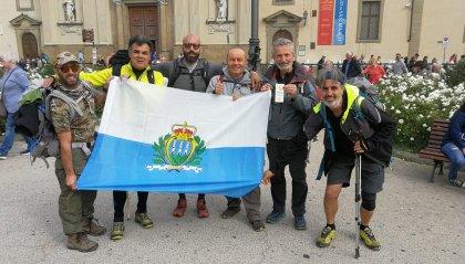"""""""Via degli Dei"""": il gruppo guidato da Giovanni Francesco Ugolini ha concluso il cammino"""