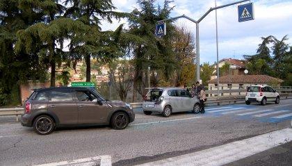 """Serravalle: tamponamento sulla """"Piana di Mino"""", circolazione rallentata"""