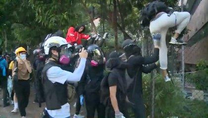 Continuano gli scontri a Hong Kong: arrestate oltre 5000 persone