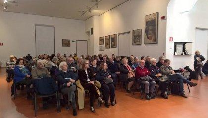 """Federico Fellini e gli altri sfollati che si rifugiarono sul Titano: l'Università di San Marino racconta la """"storia dell'accoglienza"""" ai docenti di Rimini"""