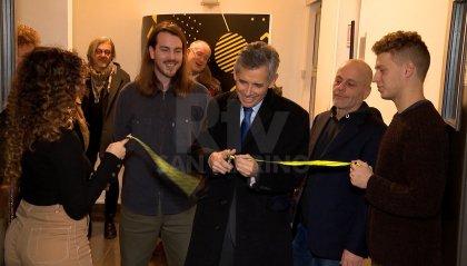 """Inaugurata a Palazzo SUMS la mostra fotografica di Simone Maria Fiorani """"GenerazioneZ.2K"""""""