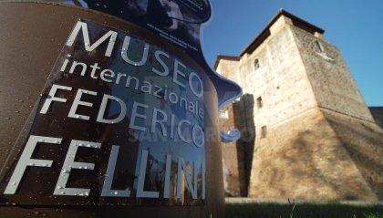 Fellini100: in migliaia in coda per la mostra. Anche Vittorio Sgarbi tra i visitatori