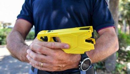 Governo italiano, via libera all'uso del Taser per la polizia