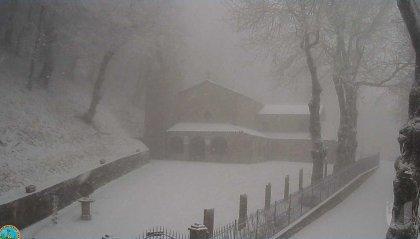 Calo delle temperature: è arrivata la neve sul Carpegna