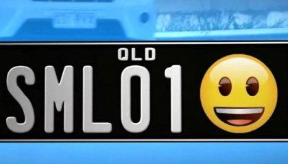 """Targhe delle auto con gli """"Emoji"""""""