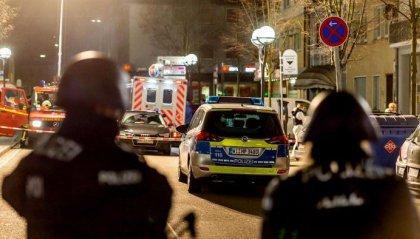 Germania: spari in due locali, 9 morti. Il killer: 'Annientare alcuni popoli'