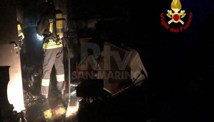 Santarcangelo: Vigili del Fuoco domano incendio in un'abitazione (video)