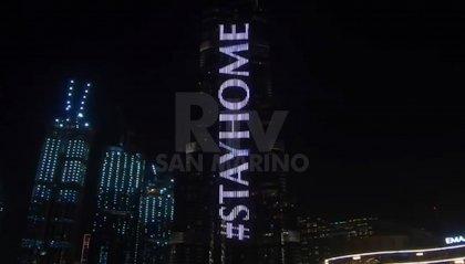 """Dubai: dal Burji Khalifa, """"Stay Home"""""""
