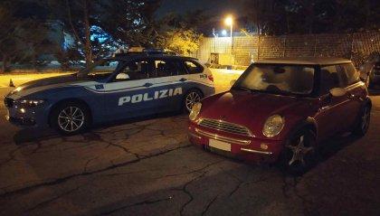 Triangolo amoroso in auto, ripreso e condito da insulti alle Forze di Polizia. Scoperti gli autori