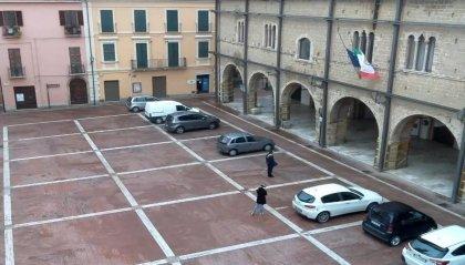 Alle 12 bandiere a mezz'asta nei Comuni italiani