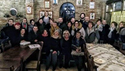 Gli operatori di Malattie Infettive di Forlì ringraziano tutti i benefattori con una loro foto di gruppo (scattata prima dell'emergenza COVID)