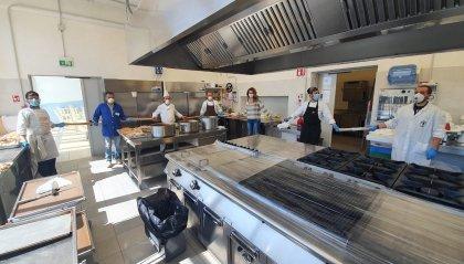 Riccione: gli chef dell'Istituto Savioli all'opera pro-Caritas