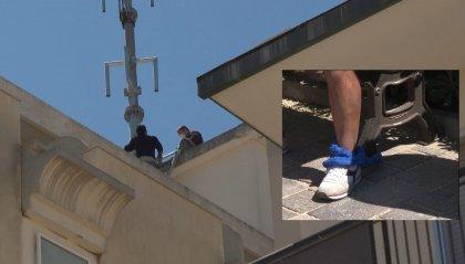 Rimini: uomo si incatena per protestare contro l'installazione di un ripetitore