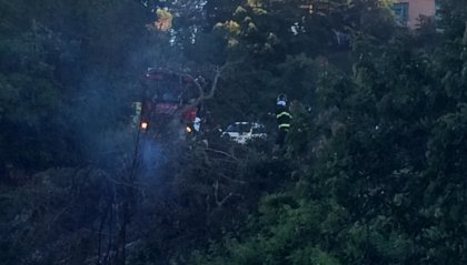 Incendio al confine della Cerbaiola: intervenuti Polizia Civile e Vigili del Fuoco