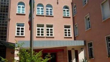 Riccione: palazzo del Comune illuminato per celebrare il 2 giugno