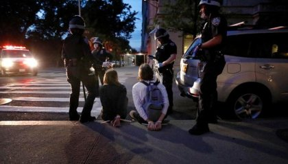 Caso Floyd: notte di caos in diverse città americane. Il pentagono invia 1600 truppe a Washington