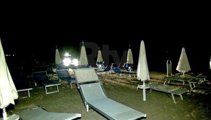 """Rimini, quindicenni violentate in spiaggia: """"Non ricordiamo nulla"""""""