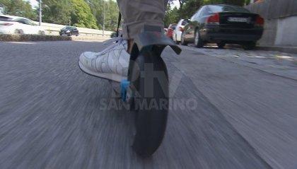 Guida ubriaco monopattino elettrico, denunciato a Rimini