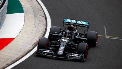 Pole di Hamilton a Silverstone