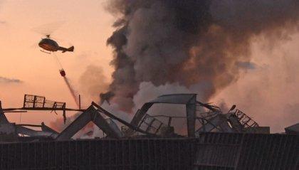 Esplosioni Beirut: si aggrava il bilancio delle vittime. Giallo sulla causa delle deflagrazioni