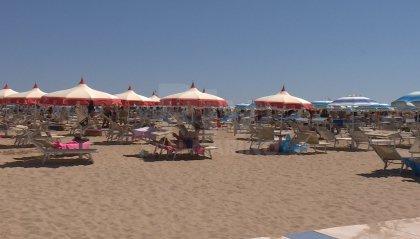 Turismo: in Emilia Romagna presenze più che dimezzate