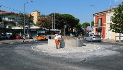 Entra in funzione la nuova rotatoria tra Marecchiese, viale Valturio e via Montefeltro