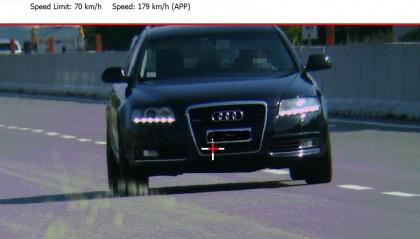 'Immortalato' dal tele laser mentre sfrecciava a quasi 180 orari sulla Superstrada di San Marino