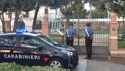 Riccione, rapina turista 17enne con un coltello, arrestato