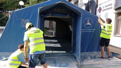 Nuova tenda all'esterno del centro sanitario di Borgo Maggiore