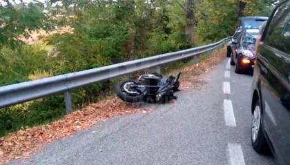 Longiano: motociclista 42enne si schianta contro guard rail e muore